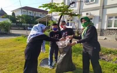 Peringati World Cleanup Day 2020, SMP Negeri 1 Wonogiri Bersih-Bersih Lingkungan Sekolah dan Lapangan Sukorejo